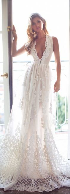 85 Comfortable Beach Wedding Dresses Inspiration 2017 https://femaline.com/2017/03/11/85-comfortable-beach-wedding-dresses-inspiration-2017/