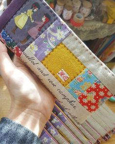 New Patchwork Quilt Bags Scrap Ideas Baby Patchwork Quilt, Patchwork Quilt Patterns, Crazy Patchwork, Scrap Fabric Projects, Small Sewing Projects, Fabric Bags, Fabric Scraps, Boro Stitching, Straight Line Quilting