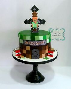 Minecraft cake Pastel Minecraft, Bolo Minecraft, Minecraft Birthday Cake, 7th Birthday Cakes, Party Favors For Kids Birthday, Boy Birthday Parties, Mindcraft Cakes, Minecraft Party Decorations, Lily Cake