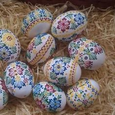 Visiting the Easter Markets in Egg Crafts, Easter Crafts, Diy And Crafts, Egg Tree, Easter Egg Designs, Drops Patterns, Ukrainian Easter Eggs, Diy Ostern, Easter Traditions