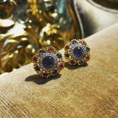 #newcollection2017 #mogokemyanmar #burmasapphire #luxuryjewelry #highjewelry #emeraldboutiquehouse