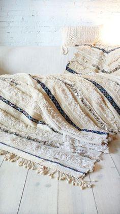 Manta. Andira. Marroquí. Textutas. Blanco. Flecos.
