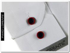 NOWOŚĆ w Pako Lorente :) Koszula męska, biała z długim rękawem, białym haftem na piersi, dwukolorowymi guzikami. Dostępna w kolorach białym i granatowym, wewnętrzna część plisy oraz kołnierzyka obszyta jest niebanalną lamówką.