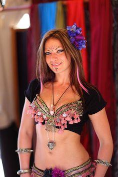 Love her tassel bra! #belly dance