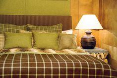 Grün passt auch ins Schlafzimmer und macht eine super Stimmung. Foto: FINE Comforters, Blanket, Super, Bed, Projects, Furniture, Home Decor, Bedroom, Colors
