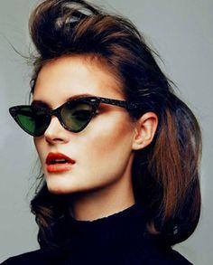Occhi di gatto: 5 stili per indossare gli occhiali cat eye