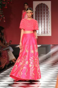 Fall In 'Epic Love' with Anita Dongre's Indian Bridal Wear Collection Showcased at ICW, 2016 Indian Fashion Trends, Indian Bridal Fashion, Indian Bridal Wear, Indian Wedding Outfits, Ethnic Fashion, Indian Wear, Asian Fashion, Indian Outfits, Style Fashion