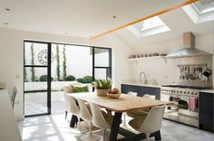 A colourful London home - eclectic - kitchen - london - Turner Pocock Home Kitchens, Kitchen Design, Kitchen Diner, Kitchen Inspirations, Kitchen Dining Room, Kitchen Diner Extension, New Kitchen, Eclectic Kitchen Design, Kitchen Style