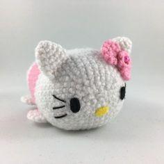 Crochet your own Hello Kitty Tsum Tsum. Free pattern available! #hellokitty #tsumtsum #amigurumi