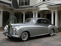 oldschooliscool:  1960 Rolls Royce Silver Cloud II. I personally don't think Rolls Royce ever produced a more beautiful style than this vintage of its automobiles. Today's technology is obviously awesome, but the line of this era is unsurpassed, in my aesthetic opinion. I find the color scheme of this particular model nothing short of sublime.