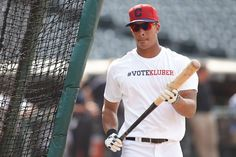 Michael Brantley helps spread the #VoteKluber effort!