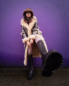70s Fashion, Fashion Outfits, Womens Fashion, Animal Print Tights, Posing Tips, High Knees, Knee High Boots, Faux Fur, Bucket Hat
