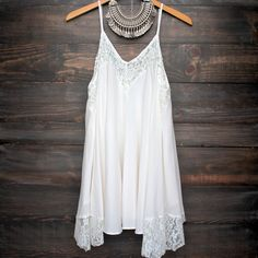 Flower child flowy dress | ivory