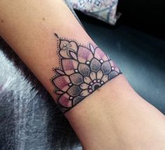 #cuff#tattoo#mandala This but on a bigger scale