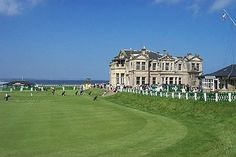 18th Green and Clubhouse at St Andrews