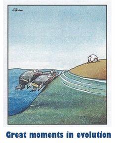 Me encanta el trabajo de Gary Larson. Great moments in evolution (The Far Side) Science Cartoons, Science Puns, Funny Cartoons, Funny Comics, Chemistry Jokes, Science Lessons, Far Side Cartoons, Far Side Comics, The Far Side Gallery