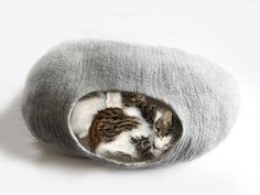 XXLarge Cat Bed Cat Cave Cat House for 2 / 3 cats by LoveCatCaves, £58.00