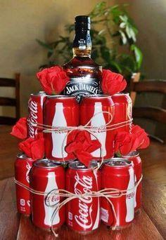Geschenk für ihn-Whiskey und Cola kreativ verschenken #babygiftbaskets