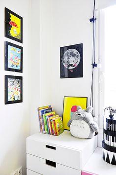OMM Design - plakát Moon Fur Neil. Dětský pokoj ve skandinávském stylu ve žluté a růžové