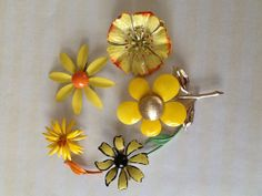 Destash Vintage 195060's Enamel Brooch Pin Daisy by QuiltsETC, $49.99