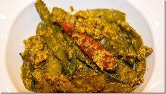 BongCook: Bengali and Indian Recipes: Sheem Paturi or Flat beans with mustard paste