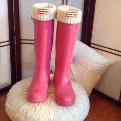 HUNTER BOOTS Tall Pink Gloss Hunter Boots, boot sox sold separately. Pre -owned, in amazing condition. Soles have normal signs of wear, as with all pre-owned items, there maybe some signs of wear that I have overlooked. Size 7, but Hunter boots run big, so these fit a size 8 perfectly!  No Trading please! Thanks! Hunter Boots Shoes Winter & Rain Boots