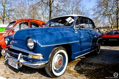 #Simca #Aronde à la Bourse d'Ancenis. Reportage complet : http://newsdanciennes.com/2016/03/22/grand-format-a-bourse-dancenis/ #Voitures #Anciennes #Vintage #Car #ClassicCar