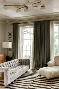 Liv Tyler's West Village Home - Home Design and Decor Liv Tyler, New York Brownstone, My Living Room, Living Room Decor, Living Spaces, West Village, Design Salon, Celebrity Houses, Architectural Digest