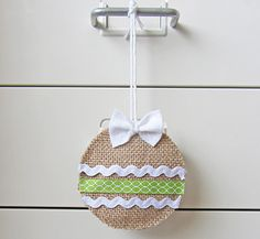 I love burlap Christmas crafts! Burlap Christmas Ornament--La Creature & You -- plus a monogram for an adorable coworker gift :) Burlap Christmas Ornaments, Rustic Christmas, Christmas Holidays, Xmas, Christmas Swags, Christmas Christmas, Burlap Projects, Burlap Crafts, Burlap Wreath
