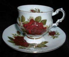 Bone China Teacup Saucer Set Elizabethan England Red Rose Gold Trim Ribbed Style