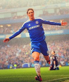 Fernando Torres and his thighs of glory Soccer Baby, Football Soccer, Football Players, Spanish Soccer Players, Muay Thai Shirts, Chelsea Players, Soccer Pictures, Arsenal Fc, Chelsea Fc