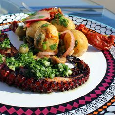 Easy recipe for making delicious and authentic Spanish octopus with fresh Mediterranean potato salad.