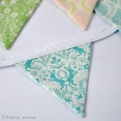 Mini bunting tutorial And free downloadable pattern