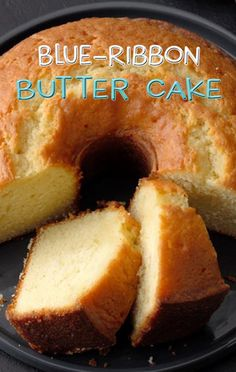 In a large mixing bowl, combine the cake mix, 1 egg, butter, and peca Cookie Desserts, Just Desserts, Delicious Desserts, Yummy Food, Cupcake Recipes, Baking Recipes, Cookie Recipes, Dessert Recipes, Cupcakes