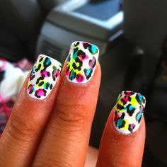 OH MY GOD!! I NEED THESE DONE ON MY NAILS!!!    ONE QUESTION THOUGH...  HOW?