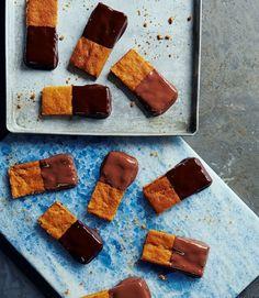 Half-dipped-gingernut-bars