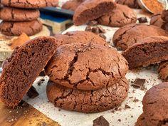 Μαλακά Μπισκότα Brownies - Lambros Vakiaros Brownies, Biscuits, Cookies, Chocolate, Baking, Desserts, Food, Youtube, Cake Brownies