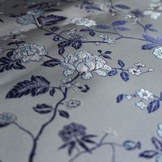 #white #silver #back #blue #peony #flower #pattern #blue #and #white #porcelain #color #match #hangzhou #silk #brocade #peas #pods #peaspods #silver #back #with #purple #flowers #pattern Add:JianKang RD155#,Hangzhou,China Mail:esunzh@gmail.com Wechat:8012297 What's app:+8613-0678-66566 Web:www.wsilk.com http://www.aliexpress.com/store/1266910