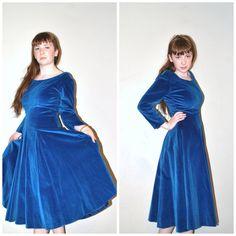 vintage 1950s dress / 50s dress / blue velvet full by onefortynine, $155.00