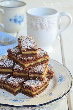 Gabriella kalandjai a konyhában :): Lemezes linzer Hungarian Cake, Hungarian Recipes, Hungarian Food, Cookie Desserts, Cake Cookies, Food To Make, French Toast, Food Porn, Food And Drink