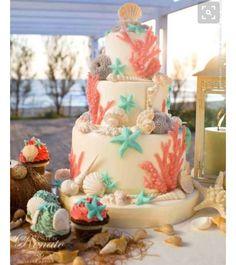 16 Amazing Disney Wedding Details and Inspiration - Hochzeitstorte Pretty Cakes, Beautiful Cakes, Amazing Cakes, Little Mermaid Wedding, The Little Mermaid, Sea Cakes, Mermaid Cakes, Cake Gallery, Cake Designs