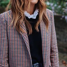 OH MY GOD! Preppy Fashion I& in love. The high neck blouse under a sweater and - OH MY GOD! Preppy Fashion I& in love. The high neck blouse under a sweater and … - Looks Street Style, Street Look, Looks Style, Street Wear, Moda Preppy, Preppy Mode, Fashion Mode, Look Fashion, Womens Fashion