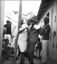 Oumar-Ly - un photographe sénégalais dans la lignée des Seydou Keita et Malick Sidibé