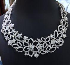 Bridal diamond necklace designs - Latest Jewellery Design for Women Diamond Pendant, Diamond Jewelry, Diamond Necklaces, Cross Necklaces, Diamond Earrings, Jewelry Necklaces, Saphir Rose, Latest Jewellery, Men's Jewellery