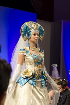 #runway #couture #hifashion #fashionweek #kokoshnik #russiandesigner #wedding #кокошник #высокаямода #свадьба #jenkasfashion #nycfashionweek