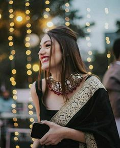 Casual Indian Fashion, Indian Fashion Dresses, Indian Designer Outfits, Look Fashion, Indian Gowns, Fashion Outfits, Indian Wear, Indian Photoshoot, Saree Photoshoot