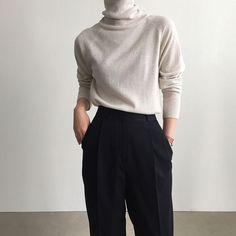 minimalist fashion Fashion the life of a stupid man the life of a stupid man Look Fashion, Korean Fashion, Winter Fashion, Fashion Outfits, Man Fashion, Ladies Fashion, Fashion Hats, Grunge Fashion, French Fashion