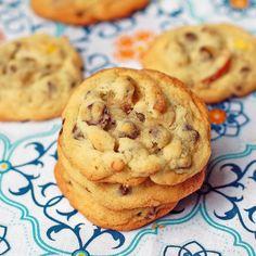 Peanut Butter Pretzel Cookies. Yes, please!!