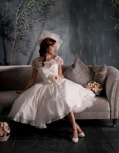 Estilo Vintage Flor de Manga Curta Lace Chiffon Comprimento Chá Vestido De Noiva Curto vestido de Noiva Tamanho Personalizado 4 6 8 10 12 14 16 W349