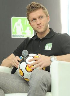 Jakub Błaszczykowski - Polish footballer, winger in Borussia Soccer Players, Football Team, Soccer Teams, Polish Music, Polished Man, Love Me Like, Charlie Puth, Celebrity Wallpapers, Vfl Wolfsburg